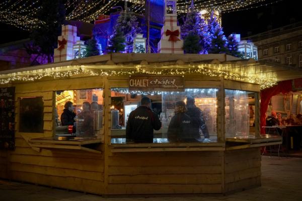Chalet Châtel au Village de Noël de Liège, véritable chalet d'alpage.