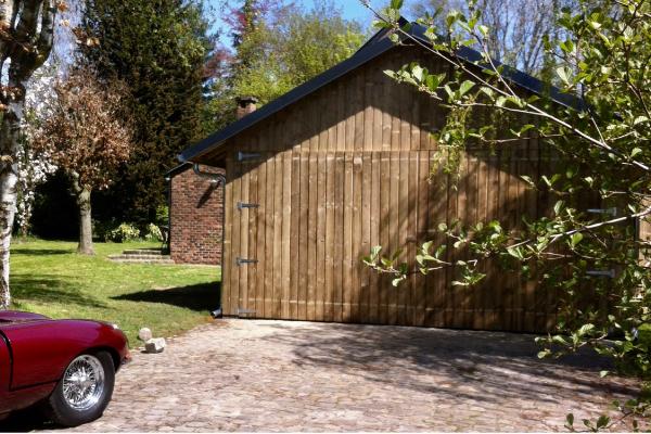 Garage accolé à l'habitation réalisé à Magnée